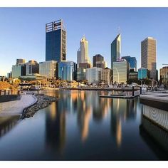 Perth skyline by (IG) Perth Western Australia, Australia Travel, World Cities, Best Cities, Tasmania, Reflection Pictures, Cottesloe Beach, Australian Photography, Kings Park