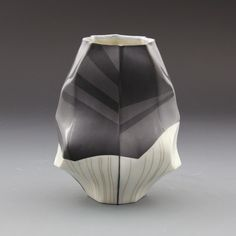 Peter Pincus - *gush* - *sigh* - total awe, an amazing combination of soft fluid lines and underlying geometry