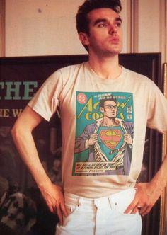 O brasileiro Butcher Billy, taradão dos mashups de cultura pop, acabou de fazer uma suruba entre super-heróis e o pós punk Vale dar uma circulada por todos os outros projetos do cara, aqui.