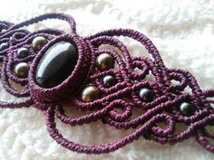 Bracelet macrame onyx noir, bracelet boho, bracelet hippie. by BelisaMag on Etsy