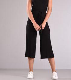 Zip – Culottes η τάση του καλοκαιριού Capri Pants, Jumpsuit, Dresses, Fashion, Capri Pants Outfits, Overalls, Vestidos, Moda, Playsuit