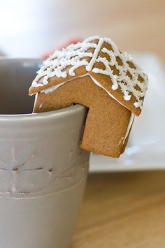 Tiny gingerbread house - perfect for perching on the side of your hot cocoa cup!