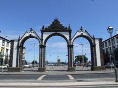 Ponta Delgada - ( Portão da Cidade) (São Miguel, Açores)