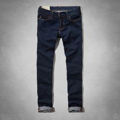 Estos son los pantalones vaqueros que usted puede usar a la escuela. Los  jeans son generalmente de color azul o de color oscuro y pueden caber con  cualquier ... 95fef12d4cb