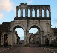Porte D'arroux - Roman Gate - Autun - (10 AD