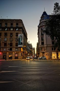 #Bucharest #night #evening #citylife Bucharest, City Life, Street View, Night