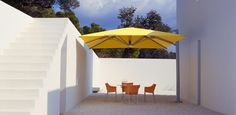 View Range Of Outdoor And Cantilever Umbrellas In Our Outdoor Umbrella Gallery. We Offer A Wide Range Of Outdoor Shade Umbrellas For NZ Conditions. Modern Outdoor Furniture, Outdoor Decor, Shade Umbrellas, Cantilever Umbrella, Outdoor Shade, Outdoor Umbrella, Maximize Space, The Prestige, Restaurant Design