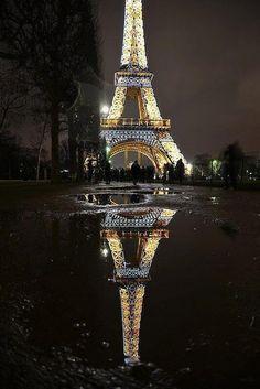Eyfel Kulesi Yansıması Fransa