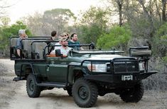 3 Day 2 Night Luxury Safari Packages to Kruger Park / Sabi Sabi Kruger National Park Safari, National Parks, Sand Game, Luxury Glamping, Private Games, Luxury Packaging, Game Reserve, Monster Trucks, Road Trip