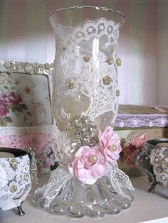 8 Unbelievable Tips: Shabby Chic Sofa Family Rooms shabby chic kitchen pantry.Shabby Chic Mirror Old Windows. Shabby Chic Mode, Style Shabby Chic, Shabby Chic Vintage, Shaby Chic, Shabby Chic Crafts, Shabby Chic Kitchen, Shabby Chic Pink, Vintage Country, Vintage Lace