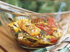 Gegrilltes mariniertes Gemüse - smarter - Zeit: 30 Min. | eatsmarter.de Soup Starter, Marinated Vegetables, Yummy Veggie, Vegetarian Recipes, Healthy Recipes, Raw Vegan, Food Inspiration, Tapas, Food Porn