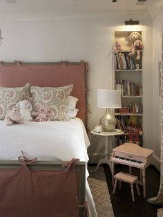 Slipcovered bed- Tracery Interiors - Adorable pink & gray girl's bedroom with gray & pink bed with ...