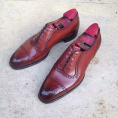 """""""The """"St. James II"""" in vintage cherry on the GG06 last. The medallion gives this Made-to-Order shoe an almost bespoke look. #gazianogirling #madetoorder…"""""""