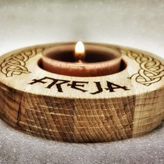 Material: Blockboard beechwood Size: Diameter: 86 mm / Hight: 18 mm / Weight: 75 g / (Include one Tealight) Max size Tealight is with a diameter of 42 mm / Swiss Design, Make And Sell, Tea Lights, Vikings, Lamps, Candle Holders, Candles, Shop, Home Decor