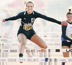 Funny pictures about Overly Photogenic Hurdler. Oh, and cool pics about Overly Photogenic Hurdler. Also, Overly Photogenic Hurdler photos. Freaking Hilarious, The Funny, Funny Images, Funny Photos, Michelle Jenneke, Unusual News, The Meta Picture, Running Humor, Perfect Timing