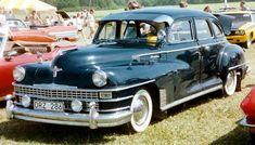 Chrysler_Windsor_4-Door_Sedan_1946_2.jpg (800×457)