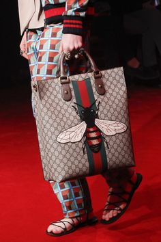 Gucci Fall 2016 Menswear Accessories Photos - Vogue Women s Handbags,  Fashion Handbags, Fashion Bags f1ae61646bc