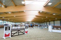 Indoor Riding Arena Envy: Gornall Equestrian - STABLE STYLE Barrel Racing Saddles, Barrel Racing Horses, Equestrian Stables, Horse Stables, Horse Tack Rooms, Western Pleasure Horses, Horse Arena, Reptile Enclosure, Reptile Cage
