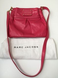 Authentic Marc Jacobs Palais Royal Pink Leather Messenger & Crossbody Bag #MarcJacobs #MessengerCrossBody
