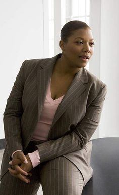 Okay, even w/o a tie and a collared shirt, Queen Latifah gets GBVS cred for the great pinstripe and more importantly her always confident yet gracious and respectful manner. Butch Fashion, Fat Fashion, Curvy Fashion, Plus Size Fashion, Womens Fashion, Queer Fashion, Skinny Celebrities, Queen Outfit, Queen Latifah