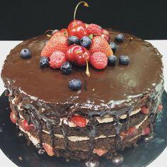 Tarta de chocolate con fruta