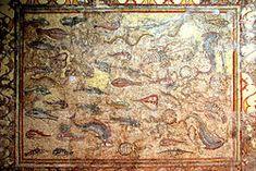 El Mosaico de los peces de La Pineda, mosaico romano que data de principios del siglo III d. C. El mosaico formaba parte del suelo de una villa romana, siendo de estilo africano, en contraposición a los mosaicos helenísticos que abogaban por una lineas geométricas en sus motivos.  (analy magaña)