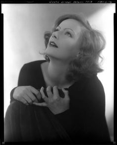 Greta Garbo, photo by Edward Steichen. - Greta Garbo, photo by Edward Steichen - Hollywood Cinema, Old Hollywood Glamour, Golden Age Of Hollywood, Vintage Hollywood, Hollywood Stars, Hollywood Actresses, Classic Hollywood, Hollywood Divas, Vintage Glamour