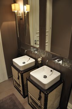 Contemporary bathroom with trunk furniture @colecalexandra