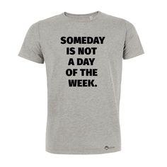 Hol dir dein Motivations T-Shirt! #herrentshirt #motivation #inspiration #motivationsshirt #tshirt #spruch #motivationssspruch #grau #grey #grauestshirt #biobaumwolle #somedayisnotadayoftheweek #jetzt #aktivwerden #fitwerden #getfit #befit #training #trainingsmotivation #gym #gymmotivation #sweat #workout #workoutmotivation #durchhalten #anfangen #fangan #bleibmotiviert #fitness #krafttraining #Kraft #power #performance Fitness Workouts, Herren T Shirt, Never Give Up, T Shirts For Women, Cool Stuff, Crossfit, Mens Tops, Sport, Collection