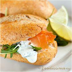 Mikulášska lososová bageta Salmon Burgers, Hamburger, Toast, Cooking, Ethnic Recipes, Kitchen, Burgers, Brewing, Cuisine