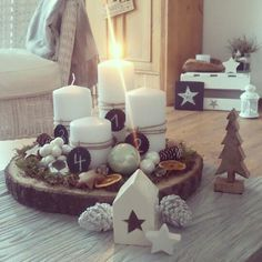 Adventskranz Advent Wreath Candles, Sweet Home, Wreaths, Table Decorations, Interior, Christmas, Home Decor, Doors, Candle Sticks