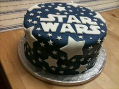 Easy Cake : Super Simple But Effective Star Wars Cake - Star Wars Cake - Ideas From Star Wars . Star Wars Torte, Bolo Star Wars, Star Wars Cake Toppers, Baby Shower Cupcakes For Boy, Cupcakes For Boys, Star Wars Birthday Cake, 5th Birthday, Birthday Cakes, Star Wars Kids