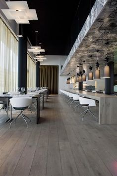 Carbon Hotel - Different Hotels Restaurant Interior Design, Design Hotel, Beautiful Architecture, Interior Architecture, Coffee Restaurants, Hotel Meeting, Hotel Decor, Hotel Interiors, Cool Bars