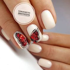 Nail Art magnetic designs for fascinating ladies. New Year's Nails, Diy Nails, Manicure, Light Colored Nails, Light Nails, Nail Art Design Gallery, Best Nail Art Designs, Beige Nails, Nude Nails