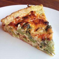 Hartige taart met broccoli en brie