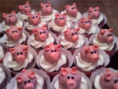 piggie cupcakes.. I have to make these!