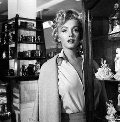 Photos de Niagara scène 7 - Divine Marilyn Monroe