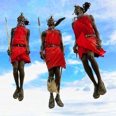 I did a quick IG search for #masai and some of the tourist photos made me cringe (go see for yourself and tell me what you think).   When a Masai boy has proven himself to be a man and an adept warrior the adumu dance is performed as a right of passage. The higher he jumps the stronger the guy is and the more desirable match he can choose. From childhood the men carry walking sticks for self defense against wild animals and people alike. It's rare to ever see a #Maasai man without his stick…