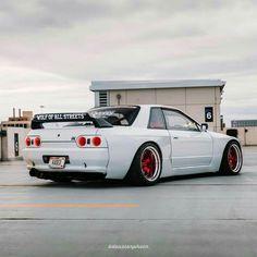 Love that car #R32