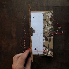 This little notebook has 12 pages sheets) but is still thin enough to use as a bookmark. Diy Notebook, Journal Notebook, Book Crafts, Diy Crafts, Filofax, Organizers, Notebooks, Craft Ideas, Create