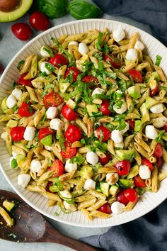 A fresh summery pasta salad made with the classic Caprese flavors plus the addition of creamy avocados. Perfect summer side dish to grilled chicken!