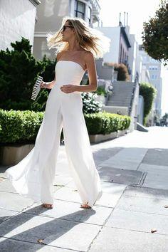 Outfit Hochzeit Overall Outfit Hochzeit Overall - outfit hochzeit jumpsuit Nyc Fashion, White Fashion, Fashion Outfits, Fashion Goth, Smoking Noir, Jumpsuit Elegante, Wedding Jumpsuit, White Pantsuit Wedding, White Jumpsuit Formal
