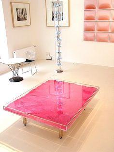 Yves Klein, Table rose