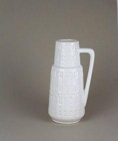 weiße vintage Henkelvase, Scheurich Inka Keramikvase weiß, Relief Muster, West-German pottery, Mid Century Vase, 70er Jahre