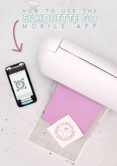 Did you know Silhouette has a mobile app? You can cut and sketch projects using your phone or tablet! Learn everything you need to know to make your first project with Silhouette Go! Silhouette Curio, Silhouette Portrait, Silhouette Cameo Projects, Vinyl Crafts, Diy And Crafts, Diy Paper, Paper Crafts, Mobile Project, Used Vinyl