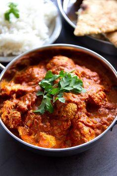 Vegetarian tikka masala with cauliflower - Jenny Alvares Vegetarian Recepies, Veggie Recipes, Indian Food Recipes, Asian Recipes, Vegetarian Food, I Love Food, Good Food, Healthy Summer Recipes, Happy Foods