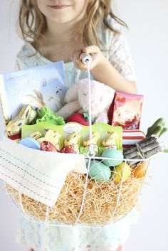 Easter Basket just for you! Hoppy Easter, Easter Bunny, Easter Eggs, Chocolate Rabbit, Lindt Chocolate, Easter Chocolate, Easter Celebration, Easter Treats, Valentine's Day Diy