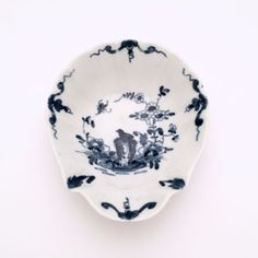 18th-Century-Royal-Worcester-039-Two-Peony-Rock-Bird-039-Shell-Shape-Pickle-Dish