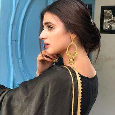 Pakistani Models, Pakistani Actress, Beautiful Celebrities, Beautiful Actresses, Hira Mani, Punjabi Fashion, Portrait Photography Poses, Cute Girl Pic, Stylish Girl Images