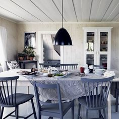 Charlotte Minty Interior Design: Swedish Farmhouse and Sustainable Furniture by Norrgavel. Dining Room Furniture, New Furniture, Dining Chairs, Kitchen Chairs, Dining Rooms, Painted Furniture, Swedish Farmhouse, Swedish Kitchen, Farmhouse Interior